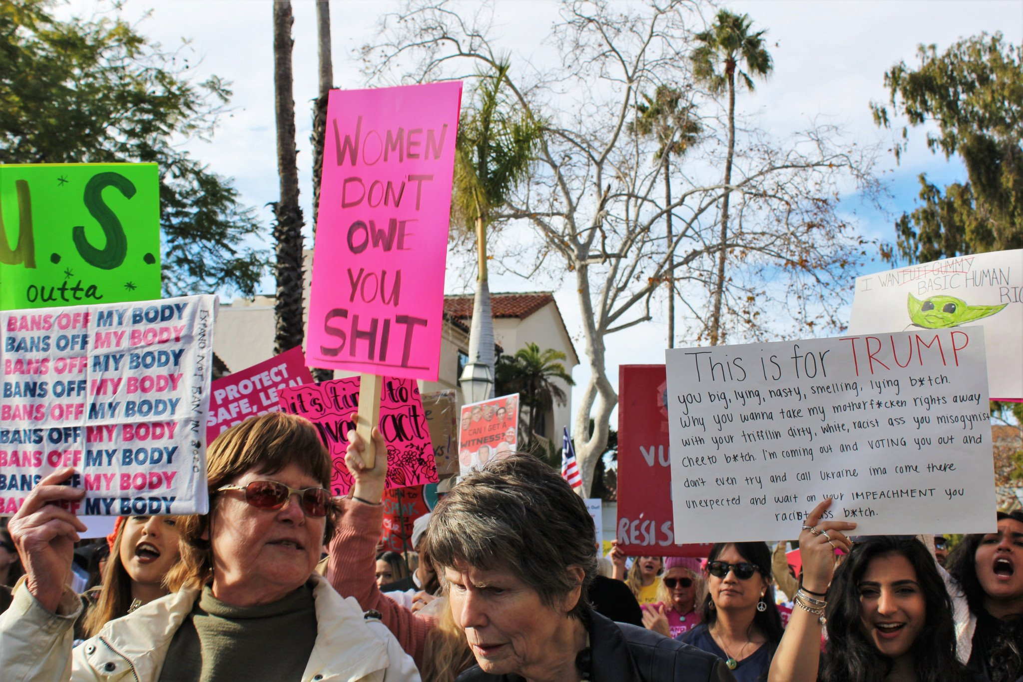 girls-lined-up-1.18.20-womens-march